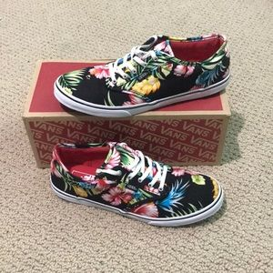 Size 9 in women's floral patterned  vans